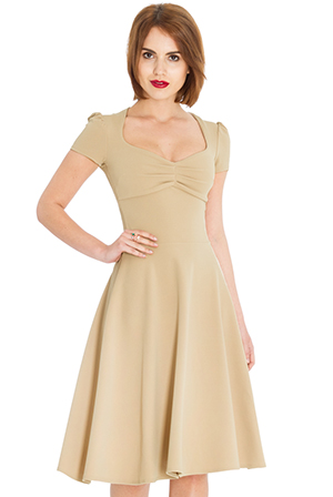 Wholesale Sweetheart Neckline Short Sleeved Midi Dress