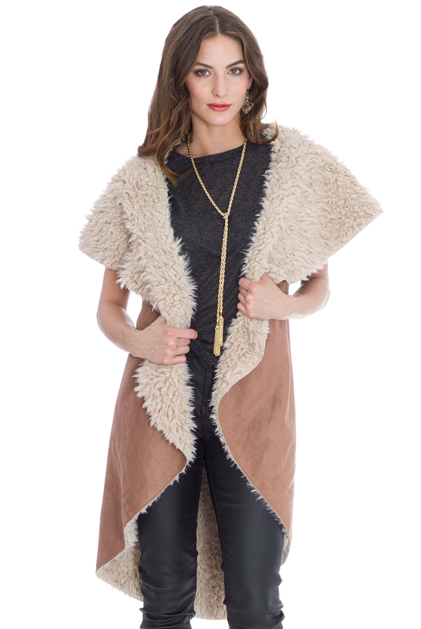 Wholesale Sleeveless Faux Fur Cape
